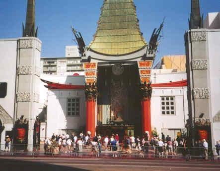 CELEBRITY HAND PRINTS - Find 200+ handprints & footprints at Grauman's Chinese Theatre! Graumans-chinese-theatre